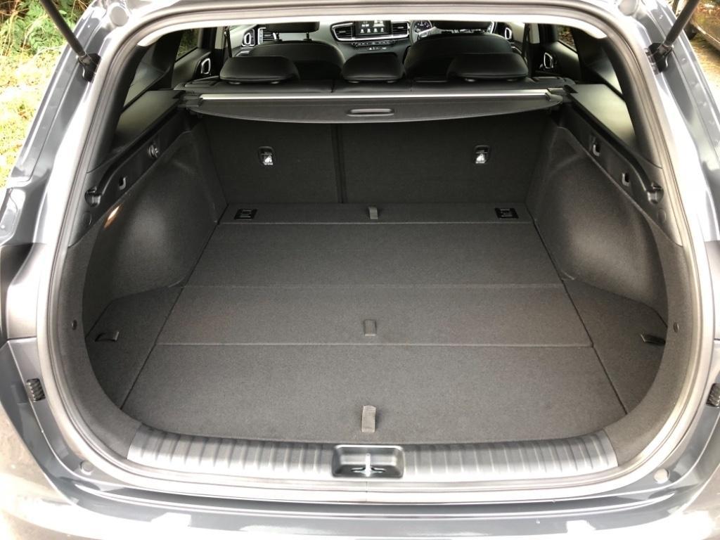просторный багажник киа сид sw