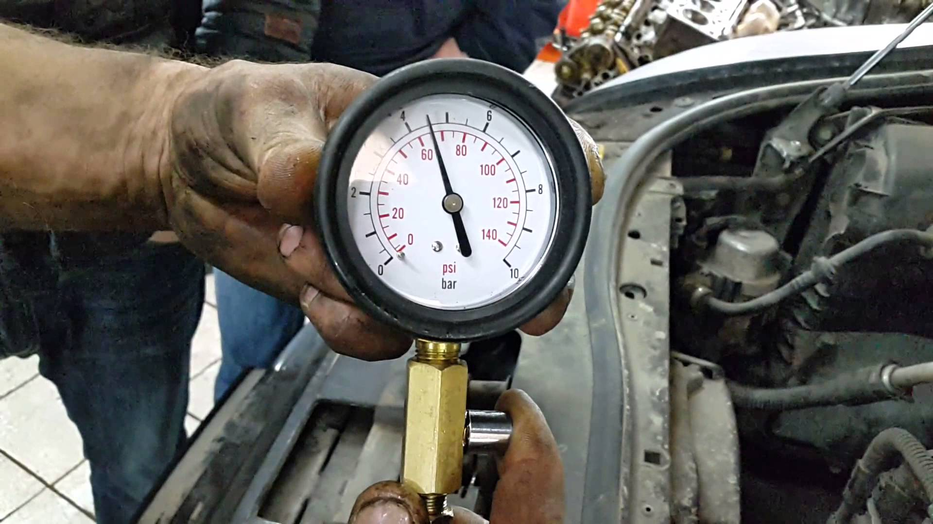 Падение давления в моторе