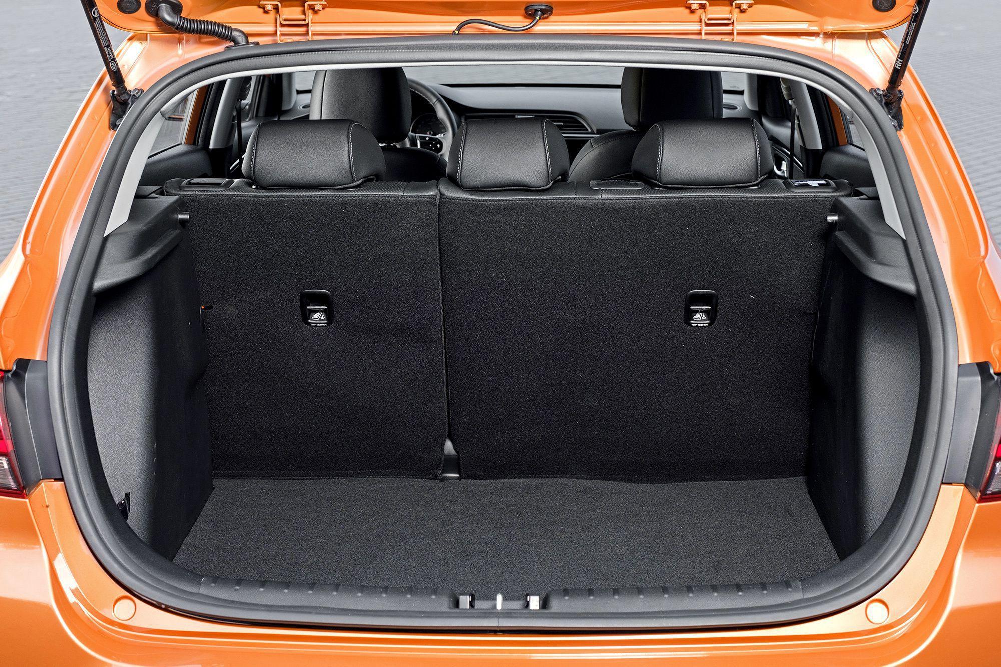 Kia Rio X-Line 2019 багажник
